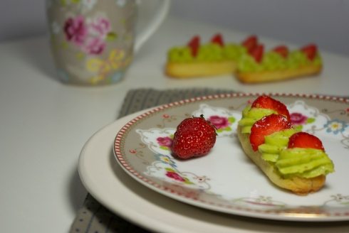 éclairs pistache fraises