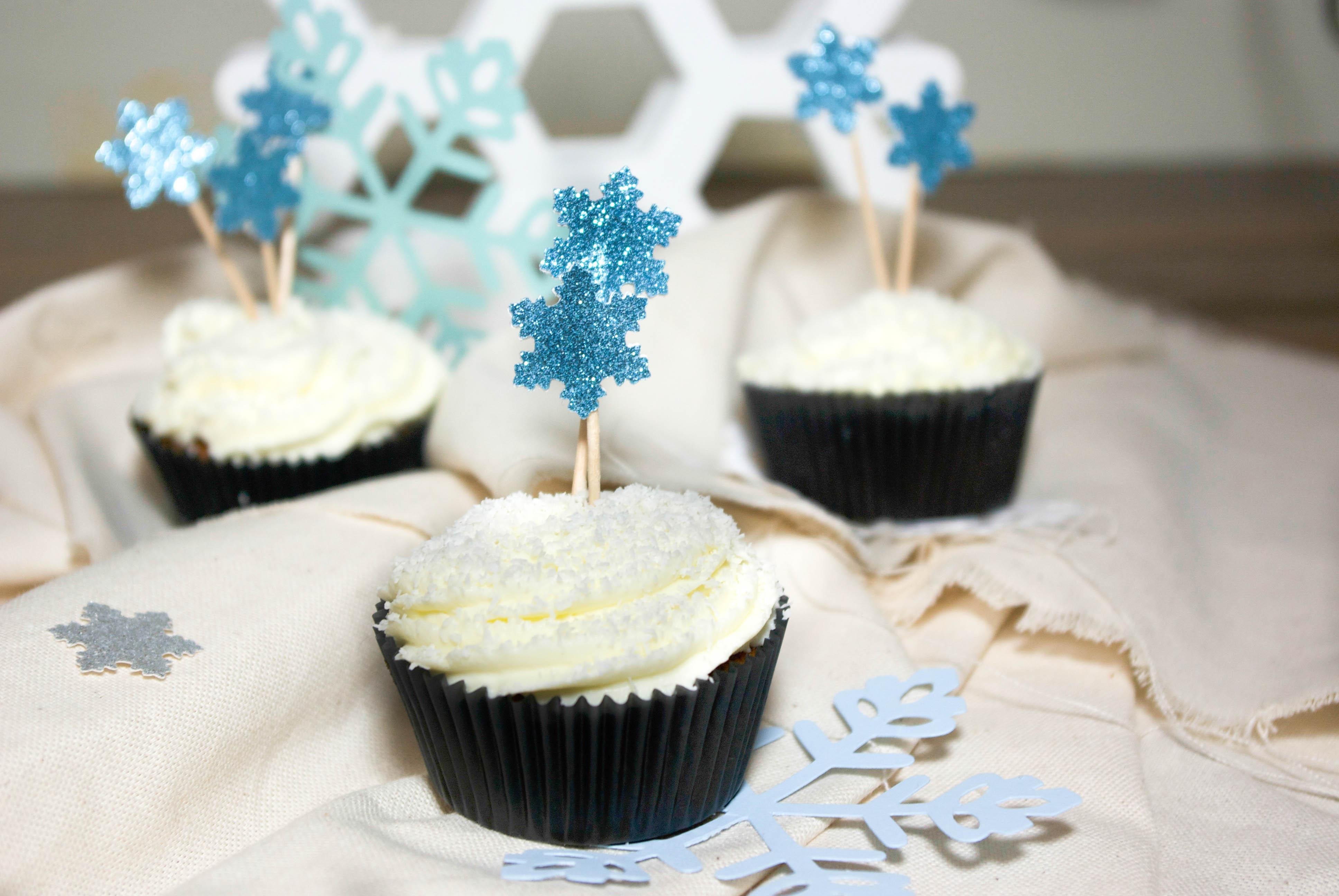 Cupcakes flocons chocolat noir et noix de coco - Deco pour cupcake ...