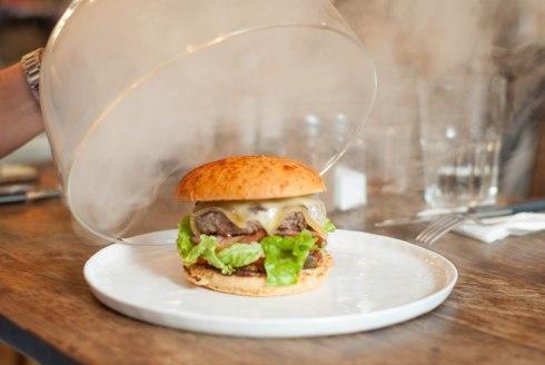 burger sous cloche le bar à burger-5931