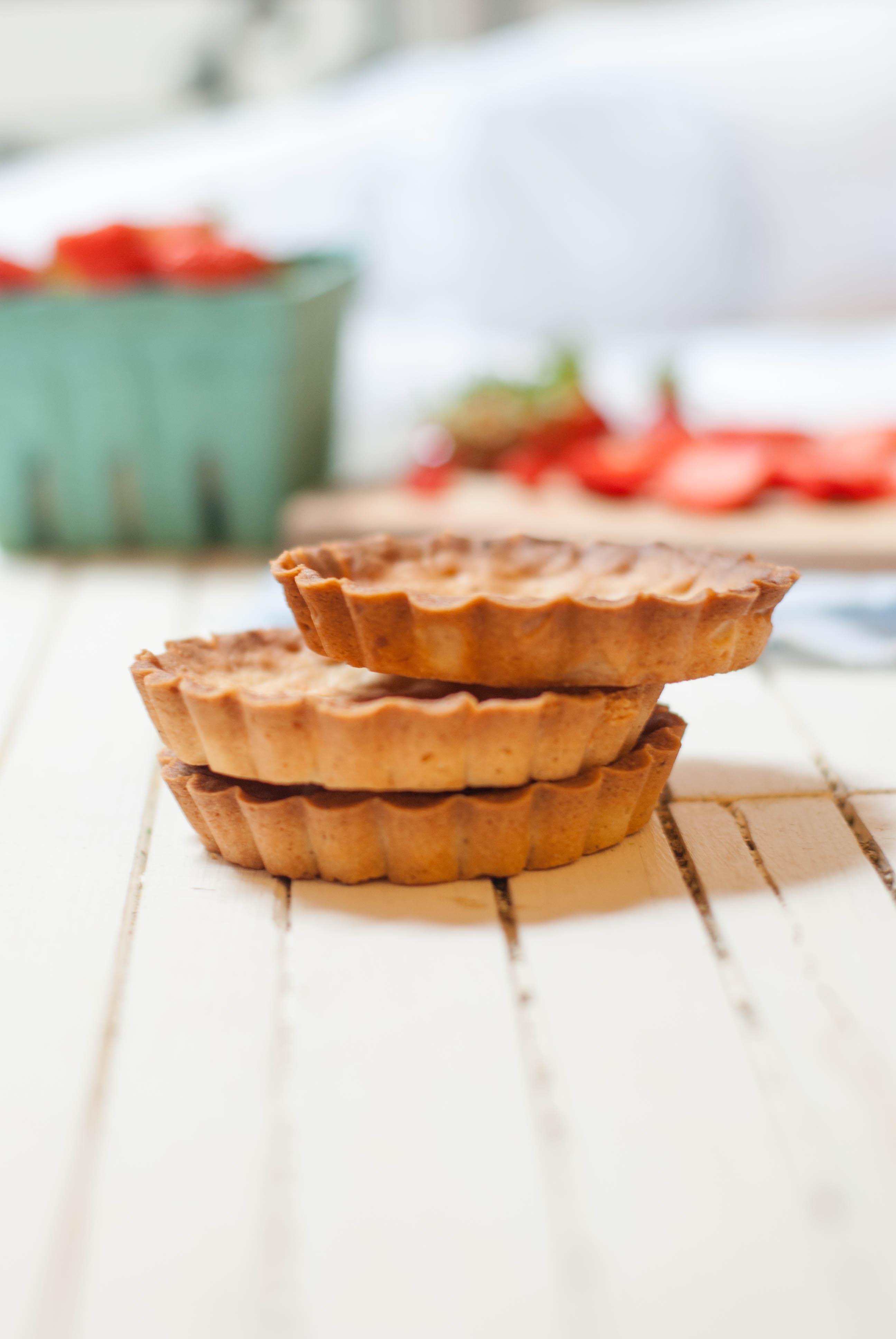 Tartelettes fraises verveine - Fond de tarte palet breton ...
