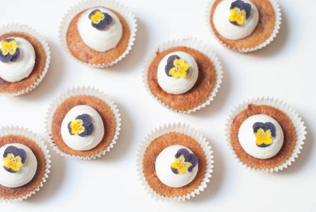 cupcakes framboises pensées-7230