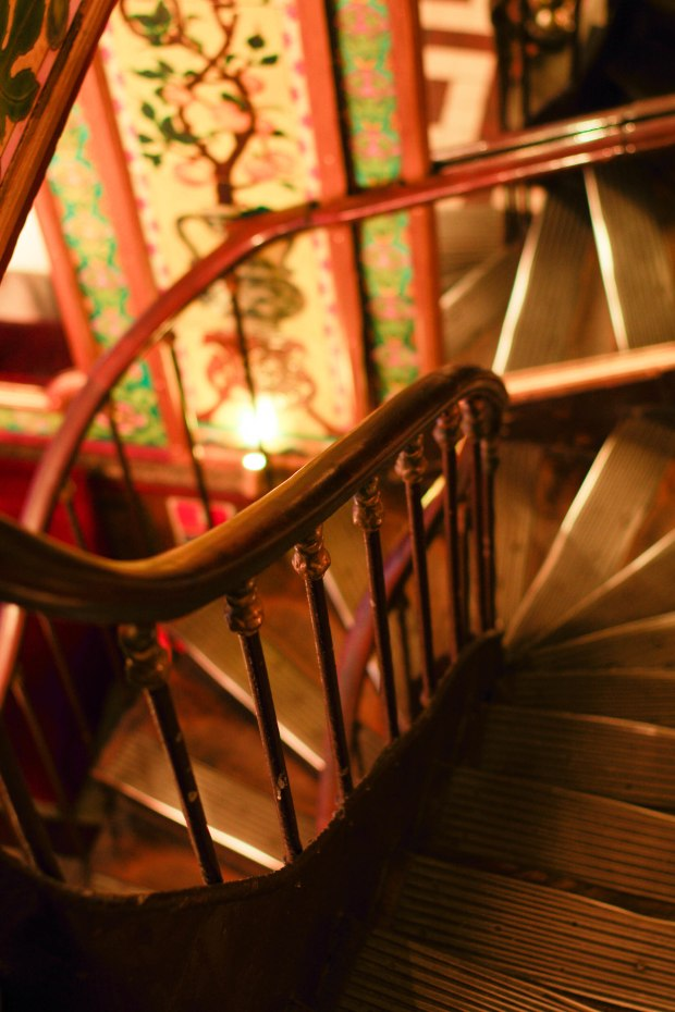 pharamond restaurant escalier