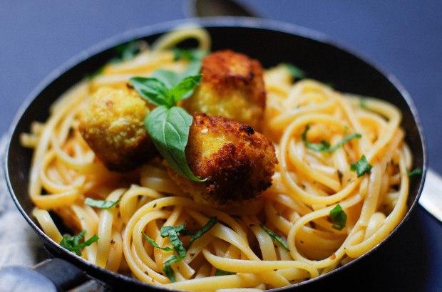 recette paques pates oeuf basilic tomates