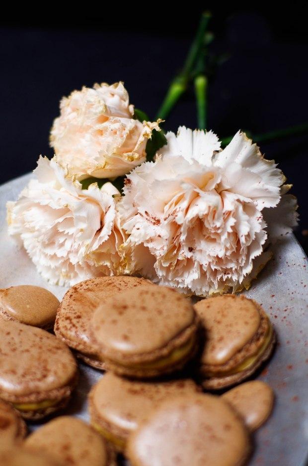 macaron chocolat fleurs
